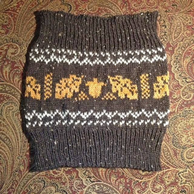 Acorn Cowl pattern countrywool
