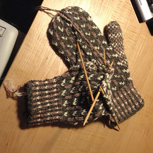 sticks and                   slants mittens countrywool